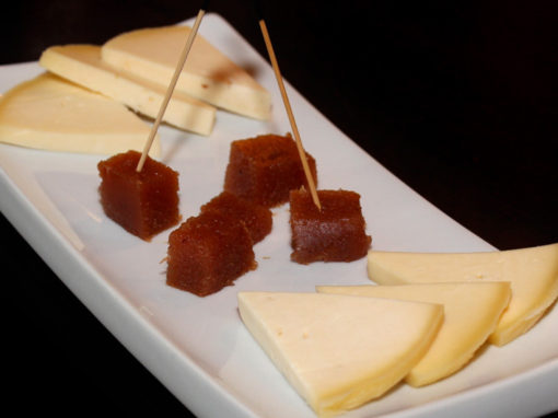 QUESO CON MEMBRiLLO